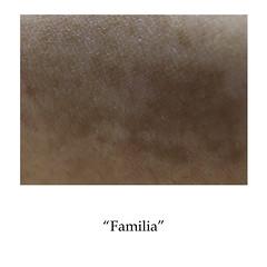 familia (Natalia Suárez) Tags: cicatriz marcas cicatrices tattoo tatuaje pecas lunar piel personas persona mujer hombre proyecto medellin sena portafolio feo madre familia basura amistad abuela silla taparlas quitar