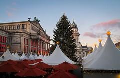 Weihnachten am Gendarmenmarkt (Berlin Gallery) Tags: berlin weihnachten weihnachtsmarkt germany mitte stadtmitte hauptstadt konzerthaus franzsischer dom friedrichstr franzsische strase urban noel christmas gendarmenmarkt weihnachtsbaum christkind berlingallery canon 1100d patrick lemoine