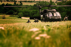 Black Hawk landing (The National Guard) Tags: school black training soldier army hawk military guard helicopter national nationalguard kansas mission soldiers candidate guardsmen troops officer usarmy guardsman