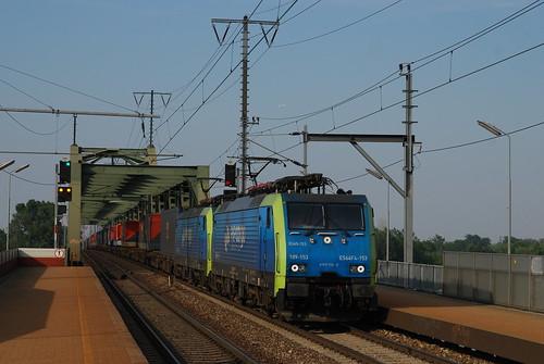 PKP ES 64 F4 153 + 154 in Wien Praterkai