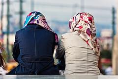 12 (contedalo81) Tags: street bw children bambini d islam faith istanbul donne periferia colori oro povert moschea volti corno turchia balat bosforo espressioni infanzia