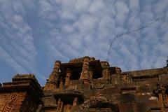 sun temple (durgeshnandini) Tags: sky india beautiful birds architecture erode gujrat 11thcentury suntemple touristshop modhera archeologicalsurveyofindia canon6d durgeshnandini solankirulers mahasana nearahemdabad