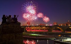 minneapolis minnesota 4th of july fireworks (Dan Anderson.) Tags: bridge minnesota river mississippi fireworks minneapolis bluehour 4thofjuly mn goldmedalflour guthrietheater washburnamill millruinspark saintanthonyfalls minneapolisriverfront millscitymuseum