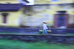 Vietnamese Painting (Daniel Trim) Tags: travel people motion blur photography asia southeastasia vietnamese south an east vietnam hoian tradional hoi indochina