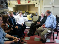 TG4 17-11-13@ 21.30 Tar Abhaile- Marsha Thomas her husband and children listen to 99 year old Tommy Cooke (TG4TV) Tags: tar abhaile