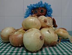 Lila y sus cebollas (Caty V. mazarias antoranz) Tags: fiesta comer domingo vacaciones placer descanso sbado findesemana niceweekend