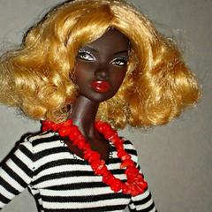 Urban Outfitting Nadja (Deejay Bafaroy) Tags: portrait urban closeup toys doll stripes portrt blond wig blonde fr striped nadja puppe streifen integrity gestreift rhymes percke outfitting fashionroyalty nuface