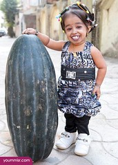 Shortest woman in the World 2014 (16) (tamerabdelfatah) Tags: world woman 2014 shortest