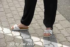 sabiibiws2 (Bluemscher) Tags: woman beautiful socks sox socken jeans barefeet ecco sanita birkenstock birks betula woodenshoes klompen sabots klepper zuecos zoccoli klogs b100 exercisesandal birki b400 berkemann exercisesandals klox kloks barfus zoggeli klappern tffler toeffler originalsandale soeckchen gymnastiksandale walkonwood klepperle onestrapsandal birkenstockfamily