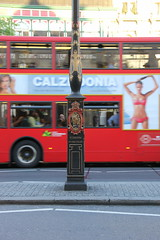 St. Martin by the fields 1899 (Benny Hnersen) Tags: england holiday bus london lamp st by lampe martin britain streetlamp may mai fields ferie maj 2014 1899 lygtepl calzedonia gadelampe dobbeltdkker stmartinbythefields