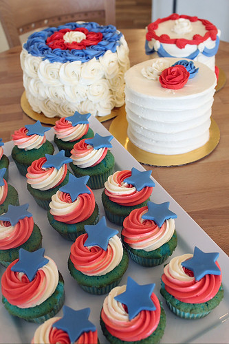 Fourth of July Gourmet cakes and cupcakes