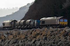 66 238 & 66 160 (Deadpanhammer) Tags: dawlish 66238 66160 class66 train canon7dmk2 ef400mmf56l