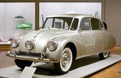 Minneapolis Institute of Art (faasdant) Tags: minneapolis institute art mia museum gallery minnesota mn 1948 tatra t87 sedan hans ledwinka silver aircooled rearengine v8 czechoslovakia aerodynamic streamlined