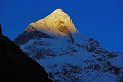 melting Gold at Neelkanth (AnilGoyal Pixelart) Tags: anilgoyalpixelart neelkanth badrinath india alpenglow blue