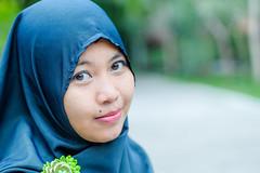zenitar-7139 (micro2ko) Tags: fujifilmxe2 fujifilm xe2 godoxv860n godox v860 hijab women green zenitar zenitarm50mmf17 kmz manuallens manualfocus lensamanual portlait outdoor smile