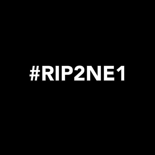 😭😭😭😫  @Regrann from @_fourminusone_  -  #RIP2NE1 #GOODBYE2NE1 #YGKILLED2NE1 💔💔💔💔 #FOURMINUSFOUR #2NE1 #CL #DARA #BOM #MINZY #Regrann