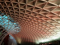 2016-11-04: King's Cross Roof (psyxjaw) Tags: london londonist kingscross train railway station roof modern curved triangles camden