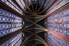 Sainte-Chapelle (McQuaide Photography) Tags: paris france french républiquefrançaise iledefrance europe sony a7rii ilce7rm2 alpha mirrorless 1635mm sonyzeiss zeiss variotessar fullframe mcquaidephotography adobe photoshop lightroom handheld light availablelight city capitalcity urban lowlight indoor inside interior architecture building wideangle wideanglelens geometry shape form geometric pattern stainedglass gothic saintechapelle holychapel church chapel religion religious palaisdelacité îledelacité catholic parishchurch ceiling rayonnant arch pov old craft art colour colourful design