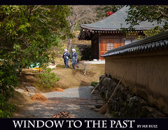 Window to the Past (Marcio Ruiz) Tags: old japan women kyoto kioto past kinkakuji nihon marcioruiz mruiz mrruiz