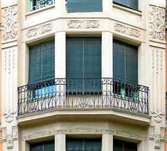 Barcelona - Mallorca 317 g (Arnim Schulz) Tags: barcelona espaa art window architecture liberty ventana spain arquitectura arte fenster kunst catalonia finestra artnouveau gaud architektur catalunya espagne fentre modernismo catalua spanien modernisme jugendstil smrgsbord espanya katalonien stilefloreale belleepoque baukunst