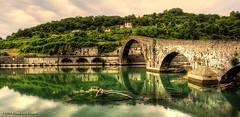 Ponte Diavolo - Italia (Fr@nk = back) Tags: img7731 pontedellamaddalena borgoamozzano serchioriver pontediavolo italy italia toscana tuscany canon 5dmkii europe mrtungsten62 frankvandongen wwworvilnl ef1740l 17mm hdr ngc topf25 topf