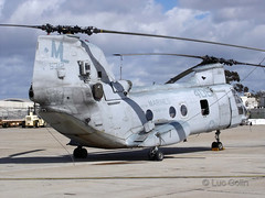 """CH-46E (11) • <a style=""""font-size:0.8em;"""" href=""""http://www.flickr.com/photos/81723459@N04/9728002505/"""" target=""""_blank"""">View on Flickr</a>"""