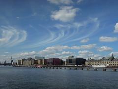 Himmel über der Spree (Sockenhummel) Tags: berlin nikon himmel wolken coolpix ufer spree nikoncoolpix p300 spreeufer sabinemarzahn nikonp300