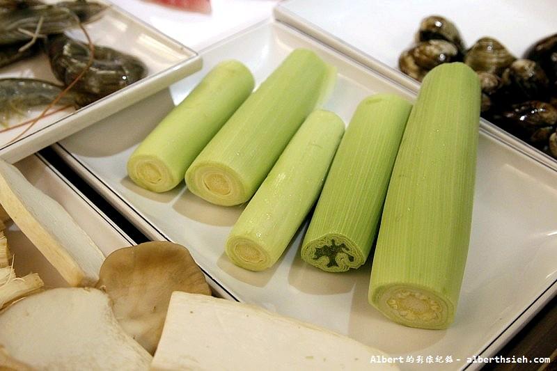台北大安.滿堂紅頂級麻辣鴛鴦火鍋:玉米筍