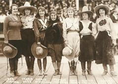 Cowgirls - Pendleton, Oregon (tico_manudo) Tags: oregon rodeo vintage vintagepostcards tarjetaspostalesvintage cowgirlspendletonoregon