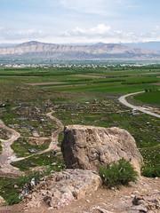 The Ararat plain around Khor Virap monastery. (Tiigra) Tags: road travel nature rock landscape village 2006 armenia ararat khorvirap lusarat cemeteryortomb