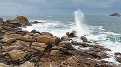 Geyser Breton (Teaspoon29) Tags: ocean sea mer seascape france rock landscape coast brittany novembre waves bretagne cote paysage vagues phare rocher finistère 2013 penarbed landunvez presquilesaintlaurent argentonenlandunvez nikkor1635