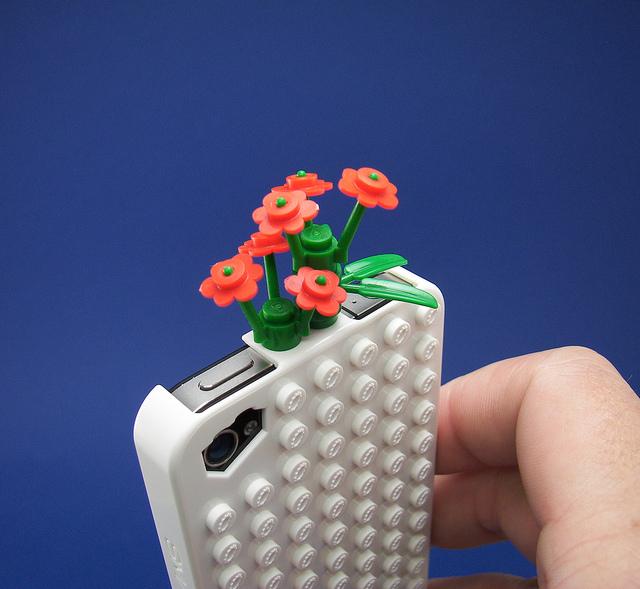 Smallworks – BrickCase 用樂高積木打造你專屬的 iPhone & iPad