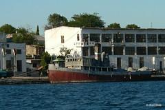 Севастополь, поездка на катере по Севастопольской бухте, буксир с паровым двигателем