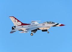 The Thunderbirds Lockheed F-16DM Fighting Falcon 2 (MSN007) Tags: red force flag air f16 thunderbirds base the nellis