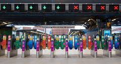 #45 Arrow (SamKirk9) Tags: colour londonbridge cross platform commute arrows londonbridgestation ticketbarriers londoncommute 114picturesin2014 114in2014 1142014 45arrow
