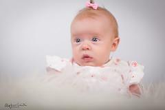 untitled-6-Edit-2.jpg (O.G. Ljósmyndun) Tags: family portrait baby girl barn infant redhead fjölskylda portraid rautt stelpa hár láraguðna