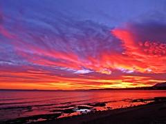 La costa al atardecer (Antonio Chac) Tags: sunset espaa atardecer mar spain andalucia costadelsol puestadesol mlaga marbella