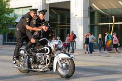 Ride Sharing (-Dons) Tags: usa rot austin texas unitedstates tx police motorcycle rotrally republicoftexasbikerrally acrobaciaconfederacioninternacionalcimopc rot2014 rotrally2014