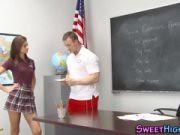 คลิปXXXเย็ดโคตรมันส์สาวสวยยั่วอาจารย์หนุ่ม