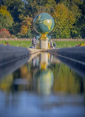 Globe Fountain (markvmn) Tags: paleis het loo apeldoorn fountain globe water palace netherlands holland gelderland reflection fall autumn zoom lens trees