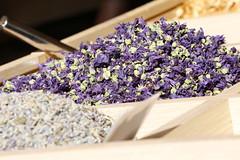 L' estate in un cassetto... (carlo612001) Tags: fiori flowers estate summer colori colors tisana infuso natural naturale