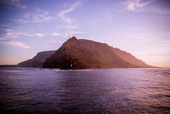Lanzarote IV (Josu Godoy) Tags: aire libre air mountain montaa montagne sea mar mer lanzarote sunset sol puesta soleil island isla ile canary canarias