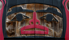 Monday Face (AnyMotion) Tags: face gesicht carving schnitzerei facade fassade royhenryvickers artgallery kunstgalerie firstnations art kunst 2016 anymotion travel reisen tofino vancouverisland britishcolumbia canada kanada 6d canoneos6d