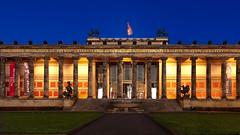 Berlin Altes Museum (in explore) (RiKo2930) Tags: berlin blaue stunde altes museum architektur
