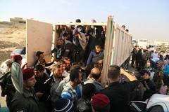 عمليات الاغاثة وتقديم المساعدات الى العوائل النازحة من مختلف قرى ومناطق محافظة #نينوى (11) (جمعية الهلال الاحمر العراق) Tags: نينوى مساعداتانسانية مساعدات موصل