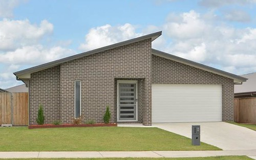 4 Tournament Street, Rutherford NSW 2320
