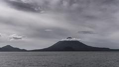 Guatemala - Lac Atitlan (erik mumu) Tags: lac lake guatemala volcan voyage travel paysage landscape black white noir blanc ciel sky nuage cloud montagne mountain atitlan