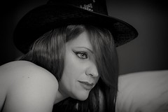 Lisa (Anonima_mente) Tags: girl woman beautiful beauty portrait sensual blackandgrey blackandwhite monocrome