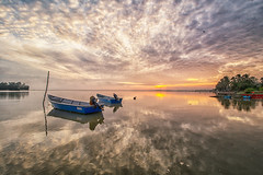 160916 ~ IMG_7419 ~ pagi di jubakar (alongbc) Tags: jubakar jubakarpantai tumpat kelantan travel places trip sunrise morning clouds sky canon eos700d canoneos700d canonlens 10mm18mm wideangel fishingboats fishingvillage