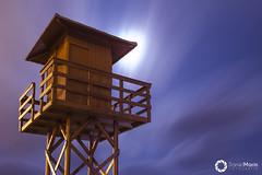 #13 La noche (Daniel Marn Prez) Tags: longexposure espaa moon tower beach night clouds noche spain sand playa luna fullmoon lunallena cdiz bluemoon watchtower garita largaexposicin santamara torredevigilancia